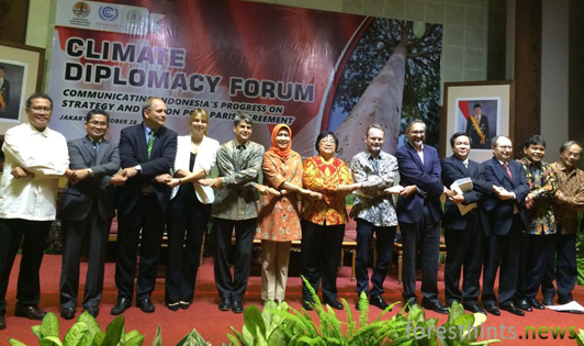 Ambassadors congratulate Indonesia after President signs Paris Agreement into law